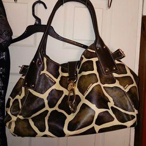 🌸 1 HOUR SALE🌸 Dooney & Bourke Giraffe Bag